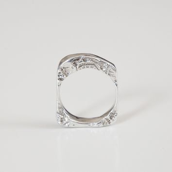 SQUARE IMPRINTED RING {silver}