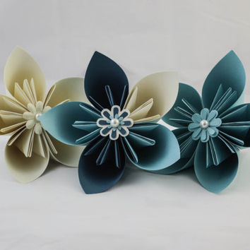 Beautiful origami flowers - 3-5 large (made to order)