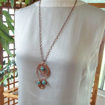 Hammered copper necklace. Spiral wire wrapped pendant. Hammered copper pendant  Statement piece.Copper jewelry. Copper and turquoise jewelry
