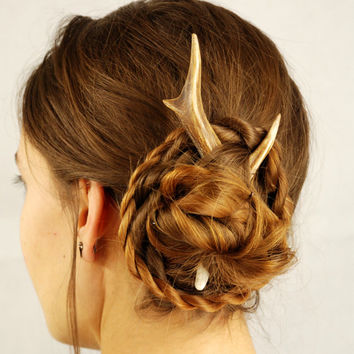 Deer hair stick, antler accessory pin bone horn roe friendly haar burr pagan celtic animal outstanding cruelty free sweet unusual headdress