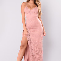 A Night In Tokyo Lace Dress - Mauve