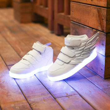 Flashing Shoes Light Up Shoe Casual Shoe Luminous Shoe Wings Children Shoes Colorful Led Lights Charging Han Edition Boy Girl Winter Shoes S