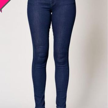 Classic Dark Wash Stretch Denim Skinny Jeans - Sizes 4-16