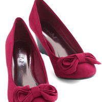 ModCloth Darling Who Bows There? Wedge