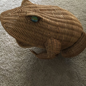 5 DAY SALE Vintage 1960s Large Wicker Frog Basket