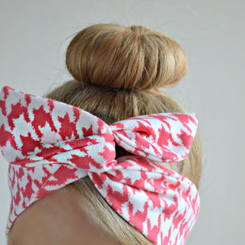 Coral houndstooth Dolly bow, hair bow head band, hair bow