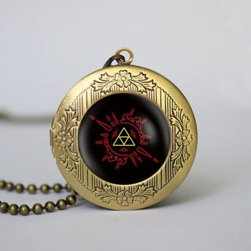 legend of Zelda pendent neclace Zelda Hyrule Crest Photo Locket Necklace,legend of Zelda Triforce Inspired,vintage pendant Locket Necklace