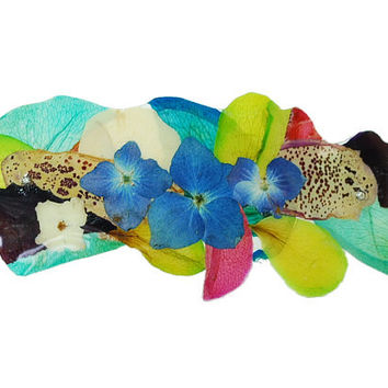 Rainbow brooch with natural flowers - laminated petals - floral brooch - turquoise, blue and green
