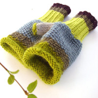 Green gloves Fingerless green gloves women by RainbowMittens