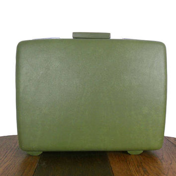 Vintage Green Suitcase Royal Traveller by Samsonite Schwayder Bros. Large Luggage Avocado Green - Green Polka Dot Lining with Divider