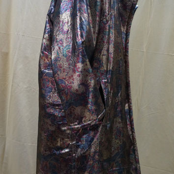 vintage XL coat, evening coat Italian, rare quality and design 16/18 loose metallic paisley motif, .  Made by Frappe.