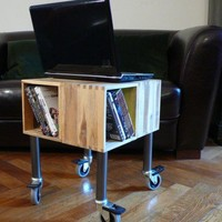 DIY Cheap Mobile Laptop Table | Shelterness