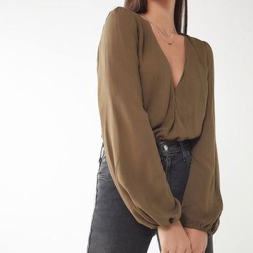 UO Georgie Surplice Top | Urban Outfitters