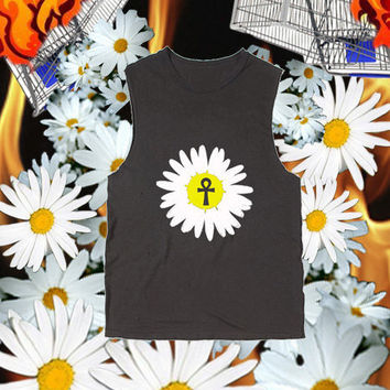 Daisy Ankh Distressed Muscle T