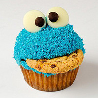 Google Image Result for http://images5.fanpop.com/image/photos/25900000/Creative-Cupcakes-cupcakes-25977040-480-493.jpg