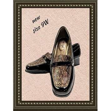 Hush Puppies soft style shoes - classy! - size 9 W (b)