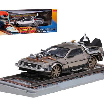 """Delorean From Movie """"Back To The Future 3"""" Railroad Time Machine 1-18 Diecast Model Car by Sunstar"""