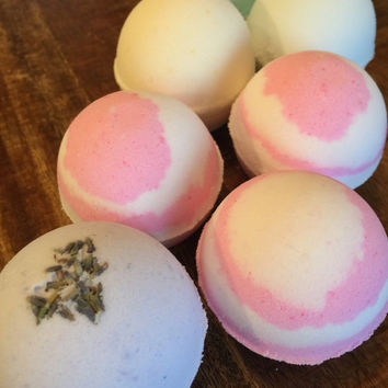 6 or 12 Bath Bombs//Essential Oils//Relaxing Bath//Spa Gift//Gift for Her//Essential Oil//Favor//Wedding Favor//Shower Favor