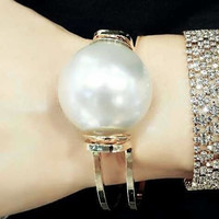 Elegant Pearl Ladies Stretch Bracelet Gold Plated Jewelry (Size: One Size, Color: Gold) = 1958214148
