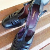 ON Sale!!!  - Authetic Vintage Black Authetic BEBE Pumps - Designer Shoes - Size 9 - Reduces from 55.00 - Now 30.00