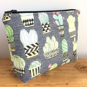 Cactus Makeup Bag - Cactus Gift - Make Up Bag - Succulent Gift - Cactus Bag - Cactus Pencil Pouch - Succulent - Cacti - Gift for Her