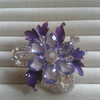 Purple and lila crystal flower rhinestone goldtone  brooch  pin
