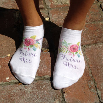 Future Mrs - Bride Gift - Wedding - Custom Printed Cotton No Show Socks - White - 1 pair