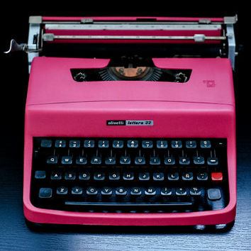 EXPRESS SHIPPING INCLUDED - Pink Olivetti - Portable Manual typewriter - Working Typewriter - New Ribbon - Retro