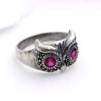 925 Sterling Silver Owl Ring with Ruby eyes