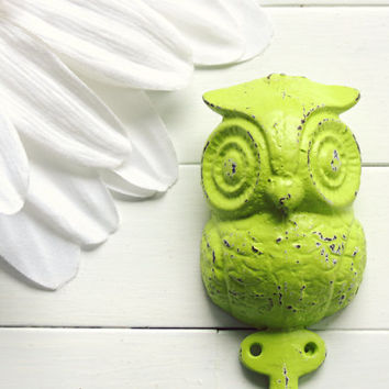 Home Decor / Iron Owl Hook / Owl Decor / Wall Hanging Hook / Shabby Chic Decor /Cottage Decor / Woodland / Fixture / Key Hook / Nursery