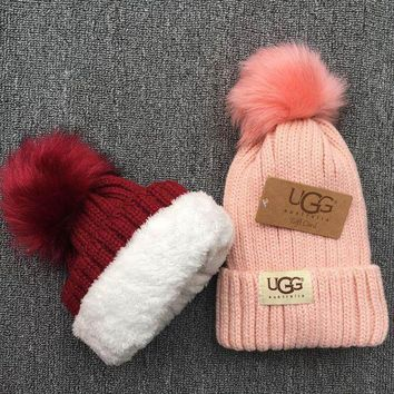PEAPNQ2 UGG Knit And Pom Hat Cap3