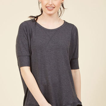 Best of Basics Top in Charcoal