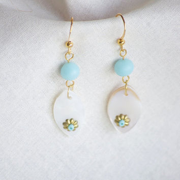 Shell Earrings - Turquoise Earrings - Dainty Earrings - Shell Earrings - Light Blue Earrings - Flower Earrings - Shell Jewelry - Seashell