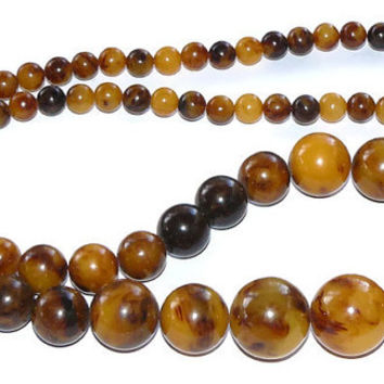 Bakelite Graduated Beaded Necklace