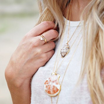 Seashell Necklace in white & coral dipped in gold