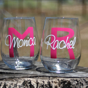 10 Personalized Monogram Stemless Wine Glasses. Great for bachelorette and wedding parties. Custom Lip Wine glasses.