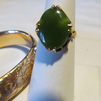 14KT Jade Ring Mid Century Ring European Nephrite Emerald Green Jade Cobochon 14kt Yellow Gold Vintage 1940s Art Deco Ring