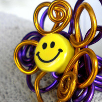 Daisy Ring - smile face jewelry - happy big flower custom sized