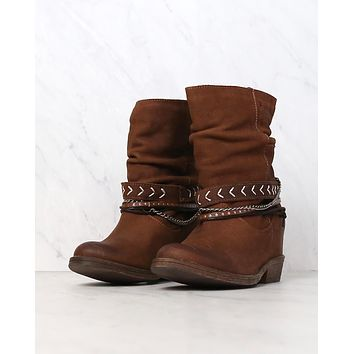 coolway - carey womens slouchy western leather ankle boots in cue
