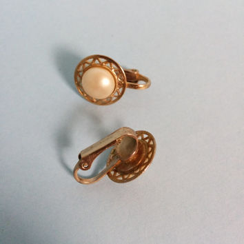 Vintage Pearl Clip On Earrings Gold Tone