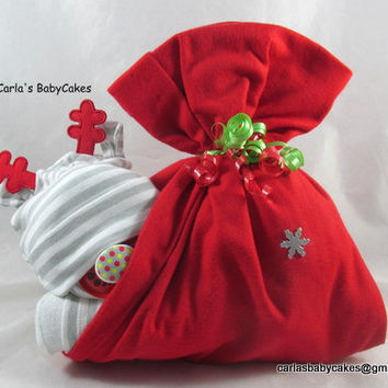 Christmas baby shower | Stork bundle baby | Diaper stork bundle | Baby shower decoration | Baby shower gift | Boy diaper cake | New mom |