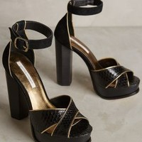 Cynthia Vincent Wild Platform Heels in Black And Gold Size:
