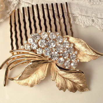 TRIFARI Vintage Crystal Rhinestone Brushed Gold Floral Hair Comb, Rose Gold Leaf Brooch Bridal Head Piece Woodland Rustic Wedding Accessory