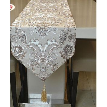 Fashion Beauty Light Rose Table Runner
