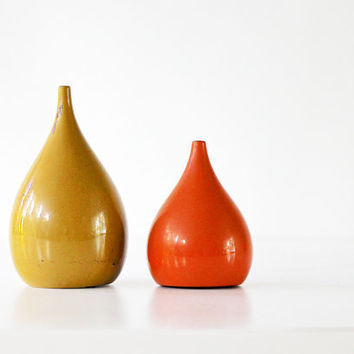 Pass the Salt and Pepper Please - Vintage Mid Century Shakers - Made in Japan - Mod - Orange - Mustard - Teardrop - Geometric - Kitchen