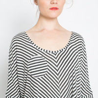 Circle Pocket Trapeze Tee -- Black and White