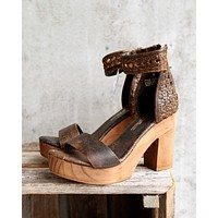 sbicca vintage collection - daytrip high heels - brown