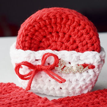 """Valentine's Day Gift - Bath Set in Red with 7 Scrubbies in a Basket with a Rhinestone """"Love"""" Charm and 2 Washcloths"""