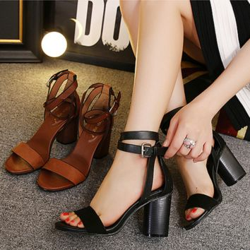Summer Fashion Hollow Buckle Exposed Toe Sandals Shoes Women Thick Heel Heels Shoes