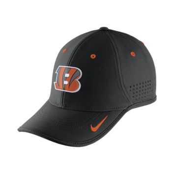 Nike True Vapor (NFL Bengals) Adjustable Hat (Black)
